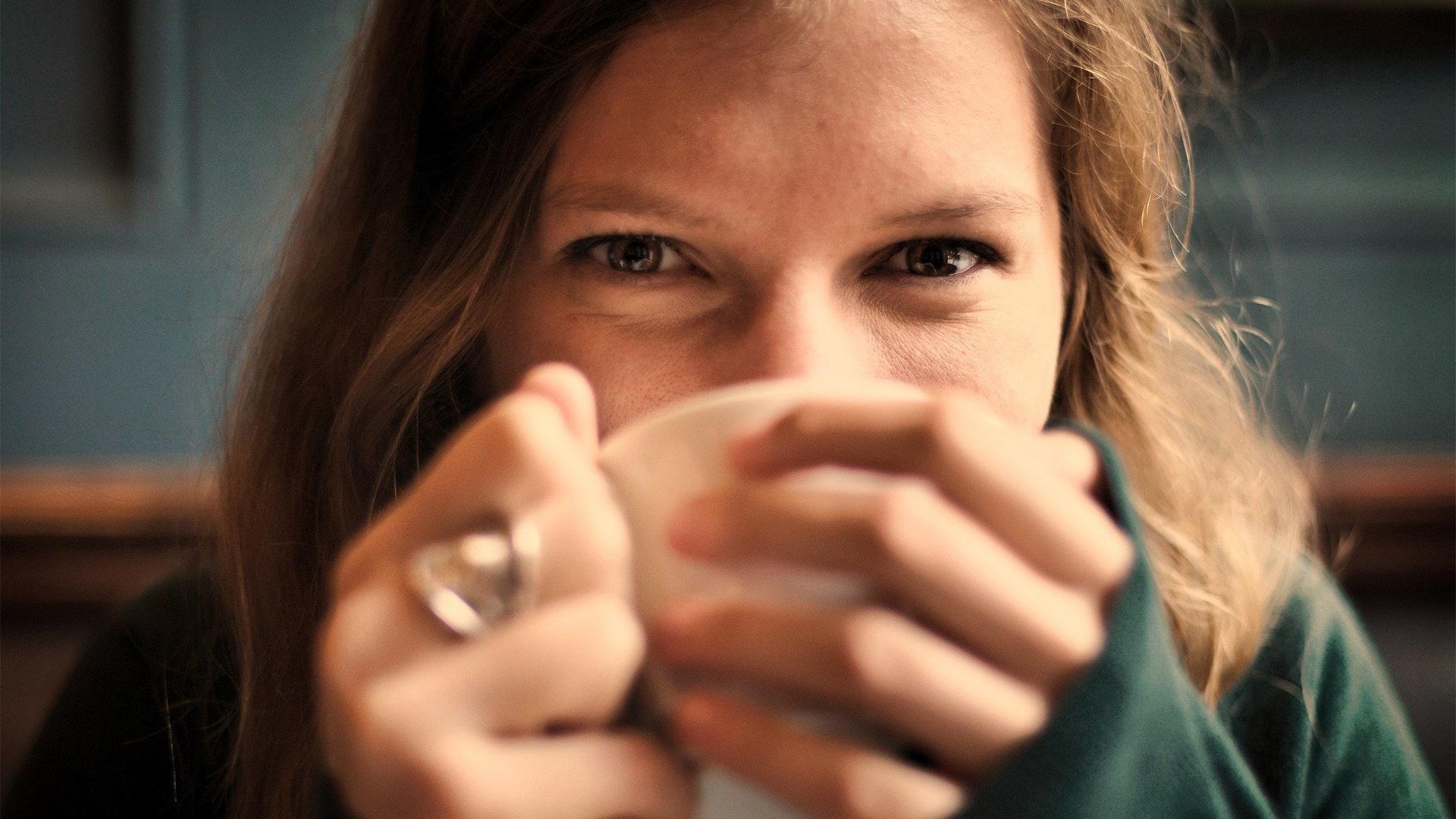 Beeld-1920x1080-Kop-koffie-drinken-min